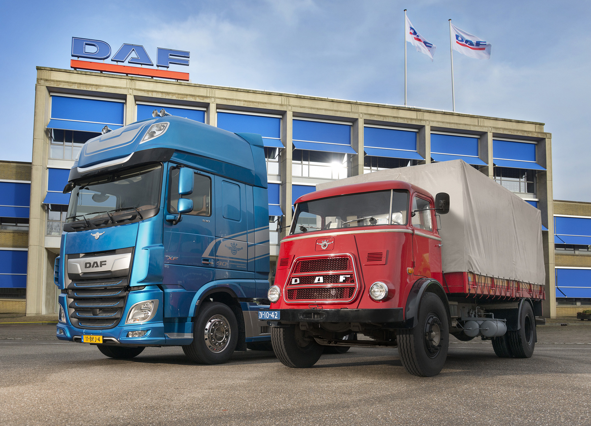 90 Years of DAF DAF New XF and DAF A1800